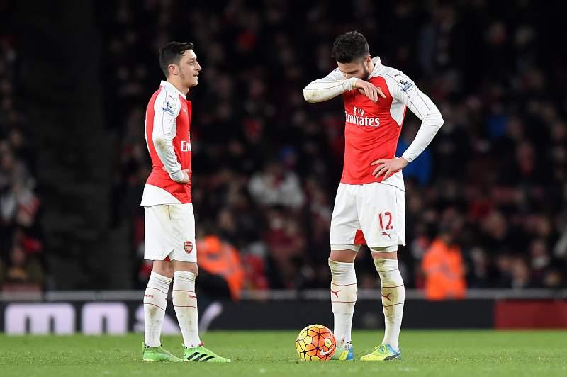 Arsenal volta a perder