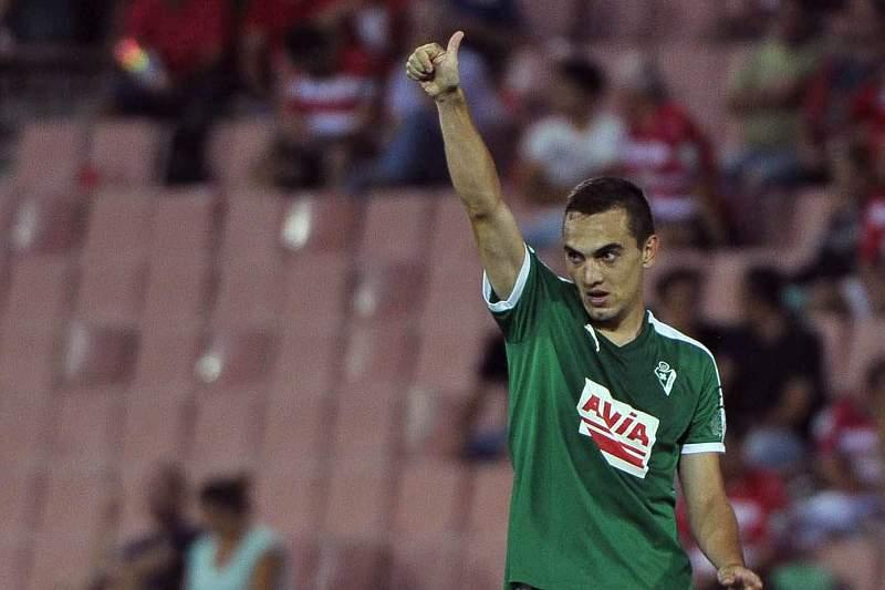 Gonzalo Escalante celebra um golo pelo Eibar