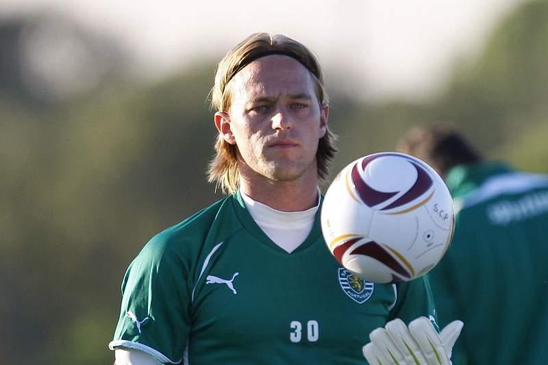 Antigo guarda-redes alemão do Sporting Timo Hildebrand anuncia abandono