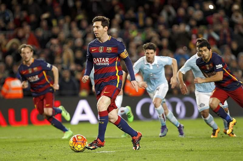 Messi marca penálti de forma origial