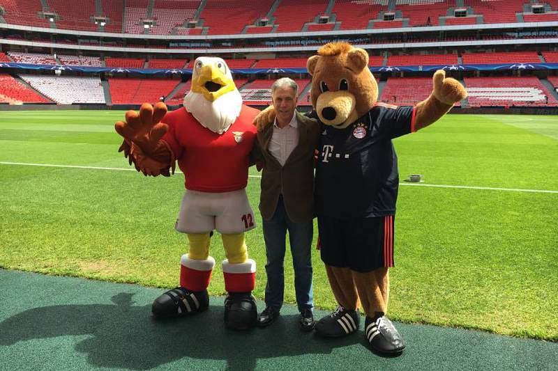 Mascotes de Benfica e Bayern encontram-se na Luz
