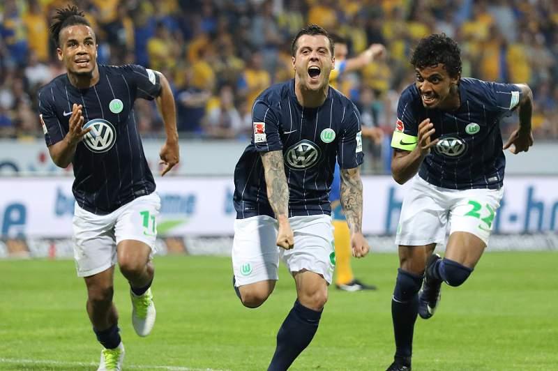 Vieirinha marcou golo que manteve Wolfsburgo na Bundesliga