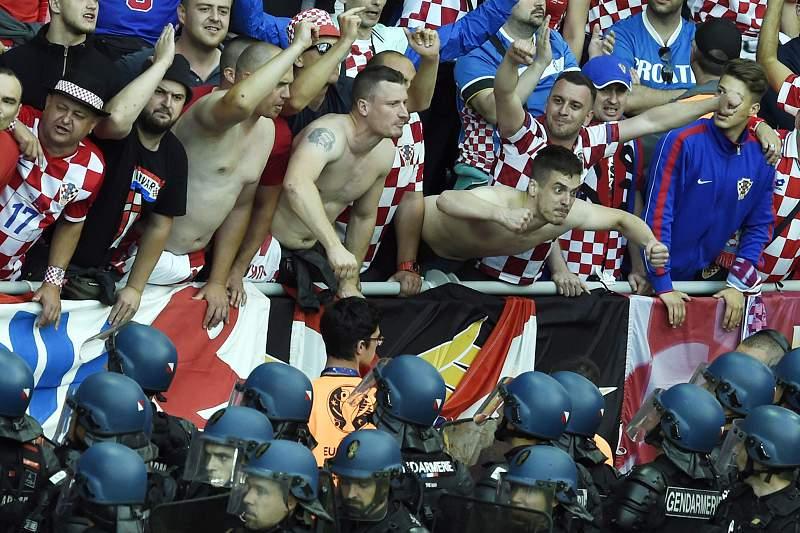 Adeptos croatas têm criado problemas nos estádios do Euro2016