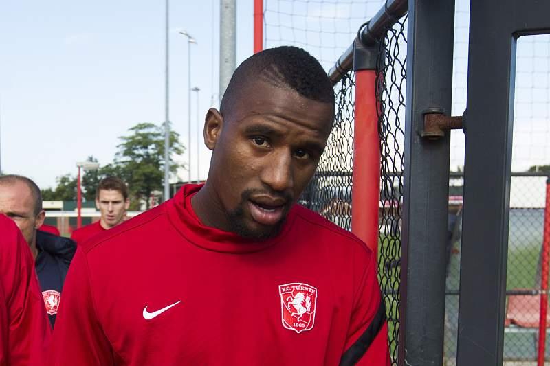 Douglas representou o Twente antes de rumar ao Dínamo de Moscovo