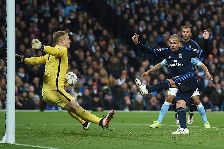 Joe Hart durante um Manchester City-Real Madrid