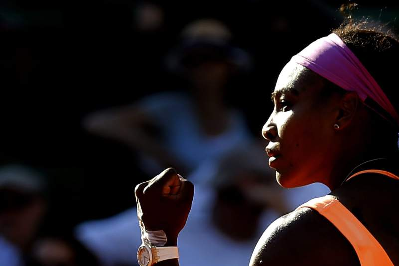 Serena Williams celebra passagem à final do Roland Garros