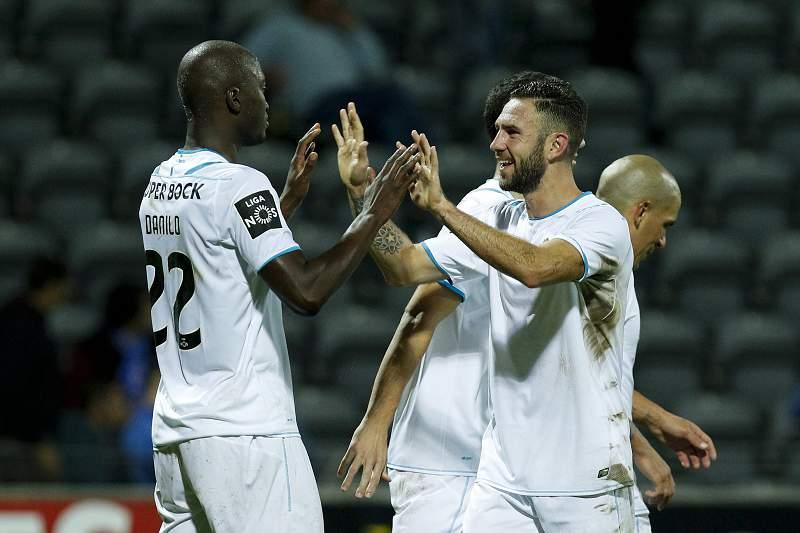 Danilo e Layún celebram o golo do FC Porto