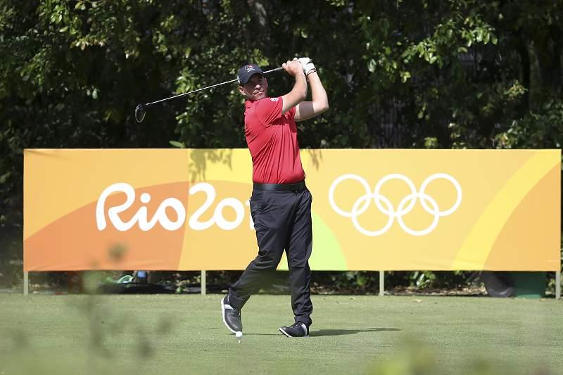 Filipe Lima começa torneio de golfe no 17º lugar