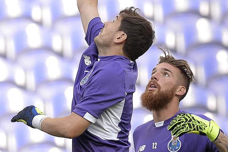 Casillas e José Sá