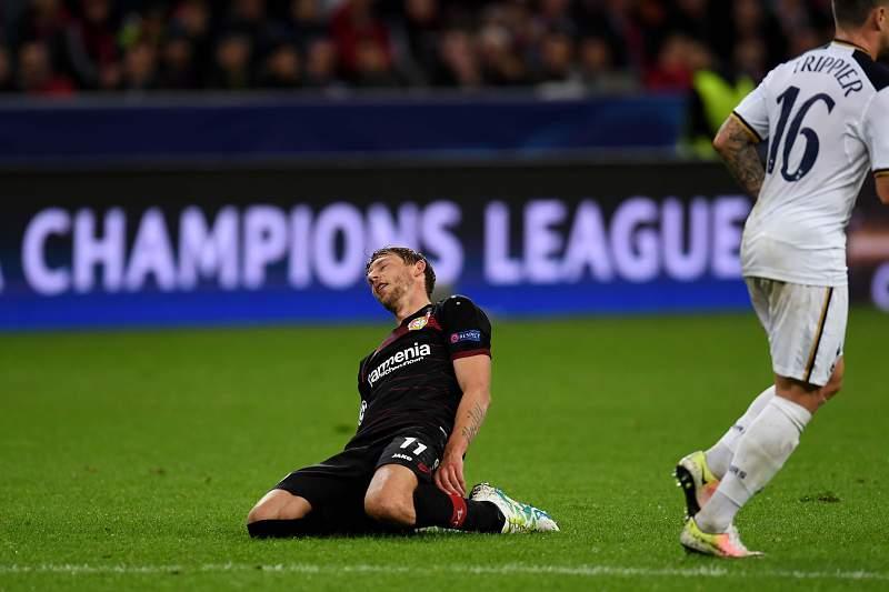Stefan Kiessling reage após um golo falhado diante do Tottenham