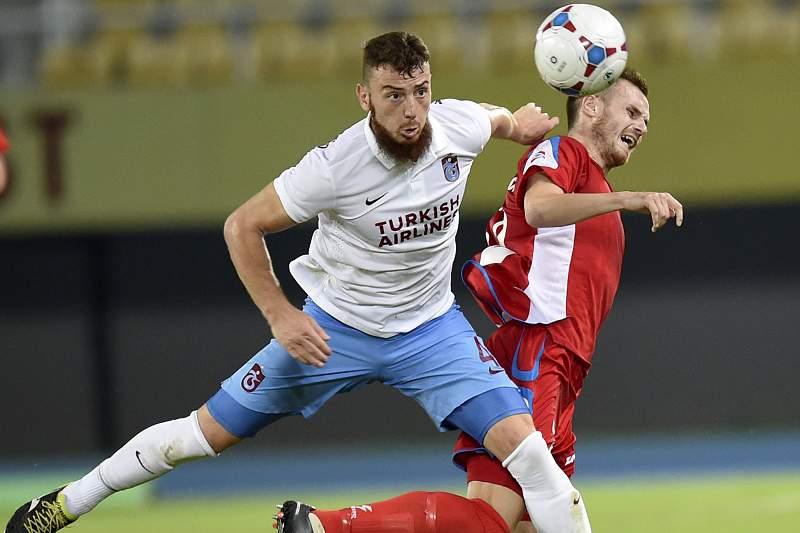 Demir Aykut (E), jogador do Trabzonspor