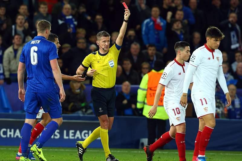 Nasri foi expulso no jogo frente ao Leicester devido a uma simulação de Vardy