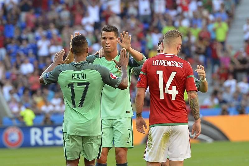 Cristiano Ronaldo celebra um golo de Portugal frente à Hungria
