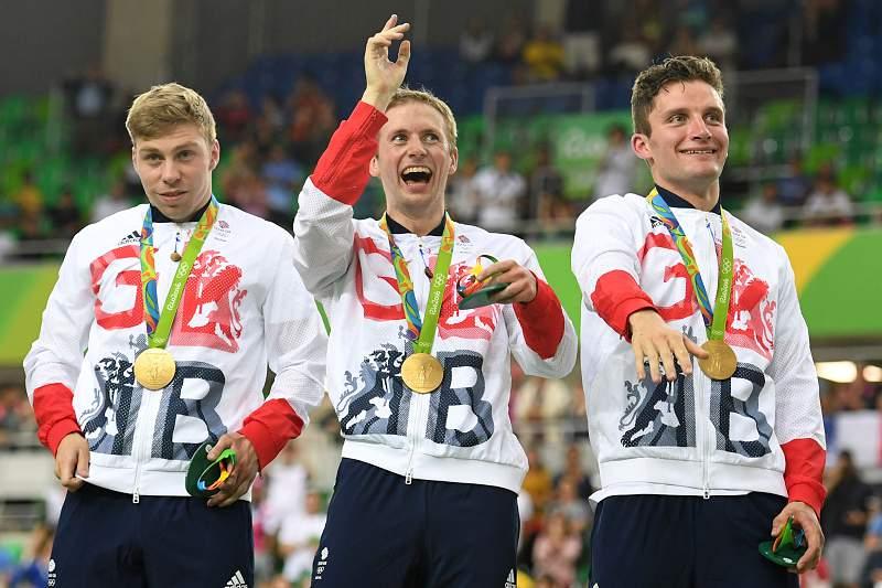 Grã-Bretanha vence ouro no ciclismo de pista masculino