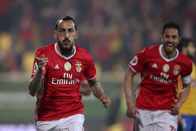 Estoril - Benfica: Mitroglou festeja golo do Benfica