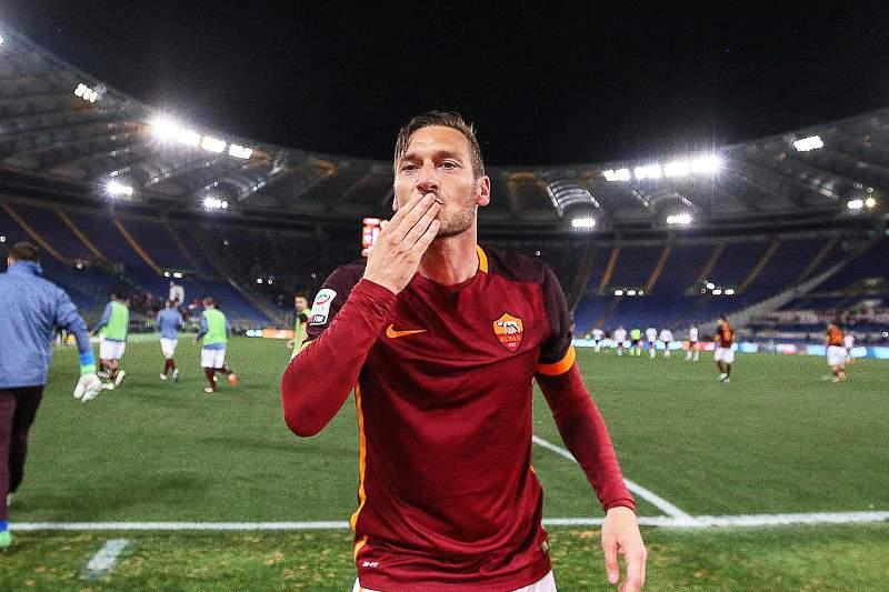AS Roma: Jogo de despedida de Totti esgota em 48 horas