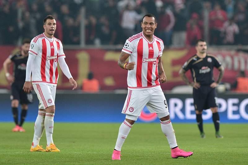 Pardo celebra o golo da vitória sobre o Dínamo Zagreb