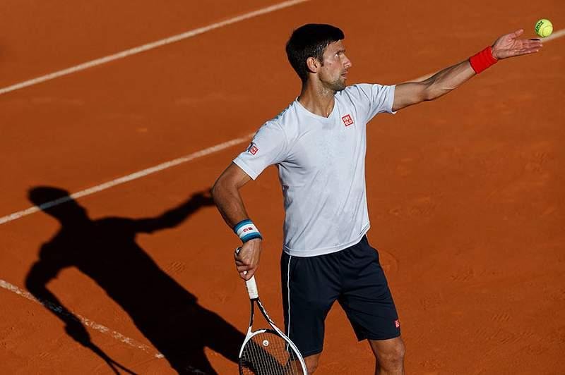 Djokovic teve que suar para bater Nicolas Almagro em Madrid
