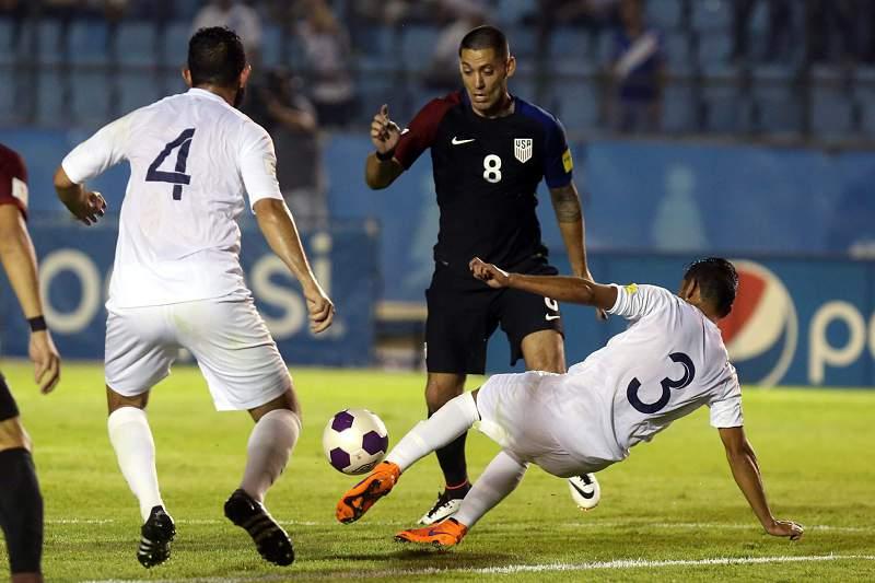 Clint Dempsey abriu o marcador para os EUA frente à Guatemala
