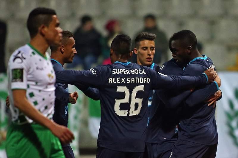 Jackson Martínez celebra golo com os colegas
