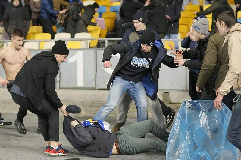 Futebol: Violência na Ucrânia