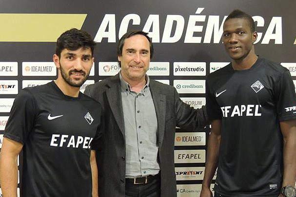 Esgaio e Cissé são reforços para Paulo Sérgio na Académica