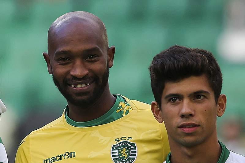 Shikabala ao lado de André Martins