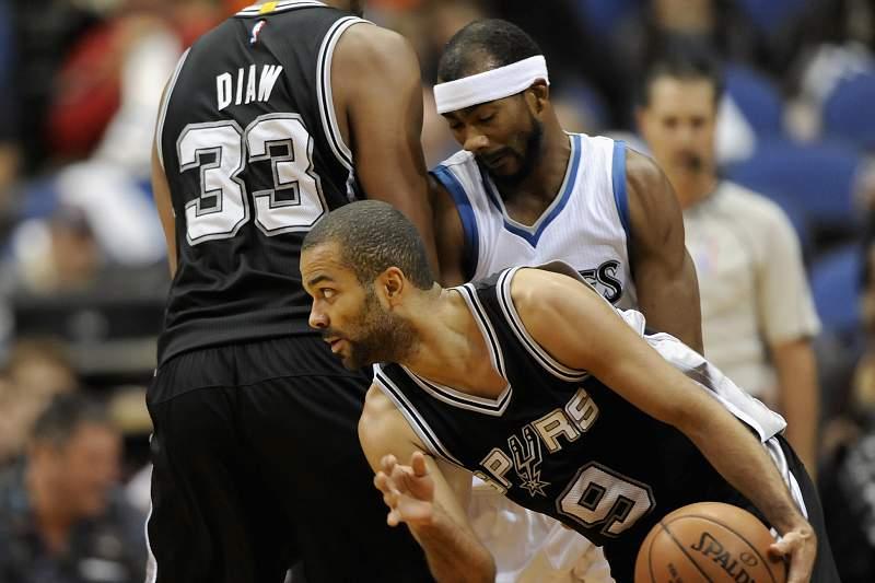 Tony Parker no jogo entre Spurs e Wizards