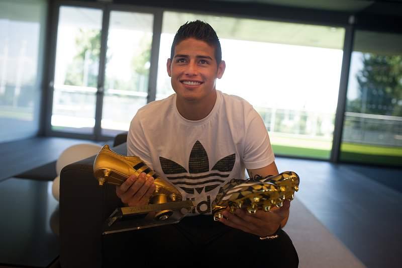 James Rodríguez recebeu Bota de Ouro do Mundial2014