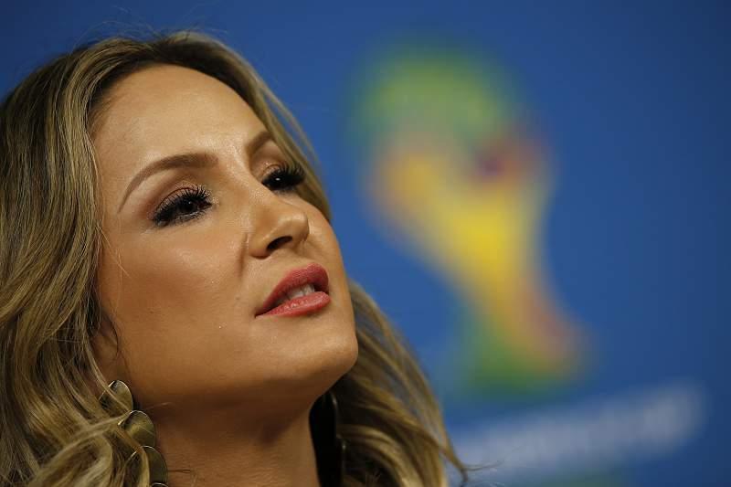 Claúdia Leitte é uma das vozes oficiais do Mundial 2014