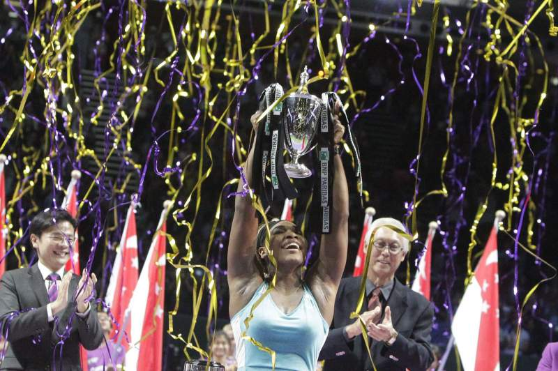 Serena vence final pela terceira vez consecutiva