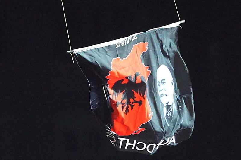 Já são conhecidos os castigos da Albânia e Sérvia