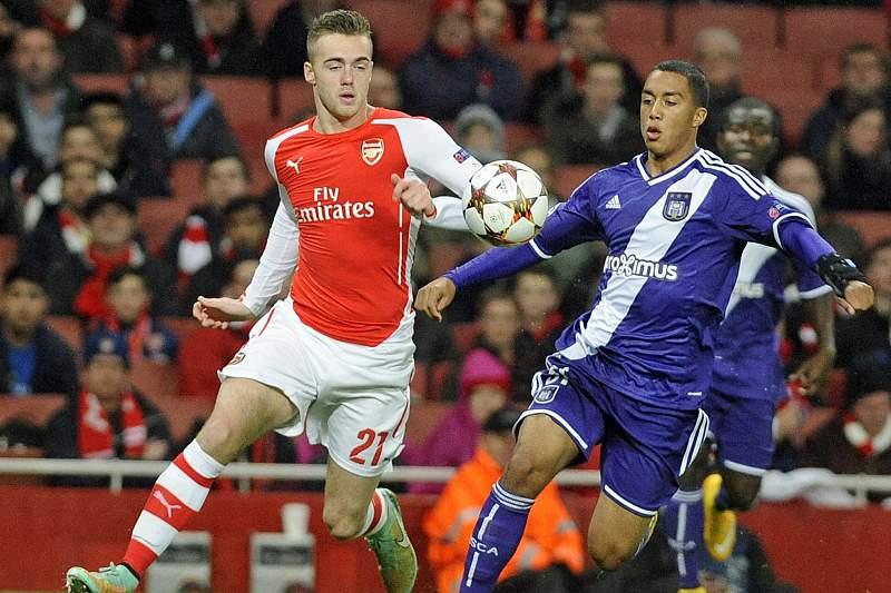 Youri Tielemans em ação na Champions frente ao Arsenal