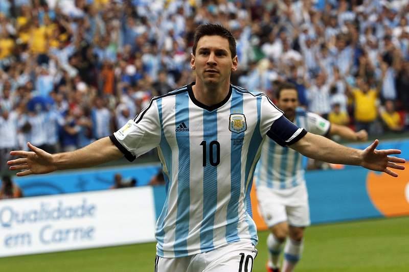 Messi assina dois golos com a Nigéria
