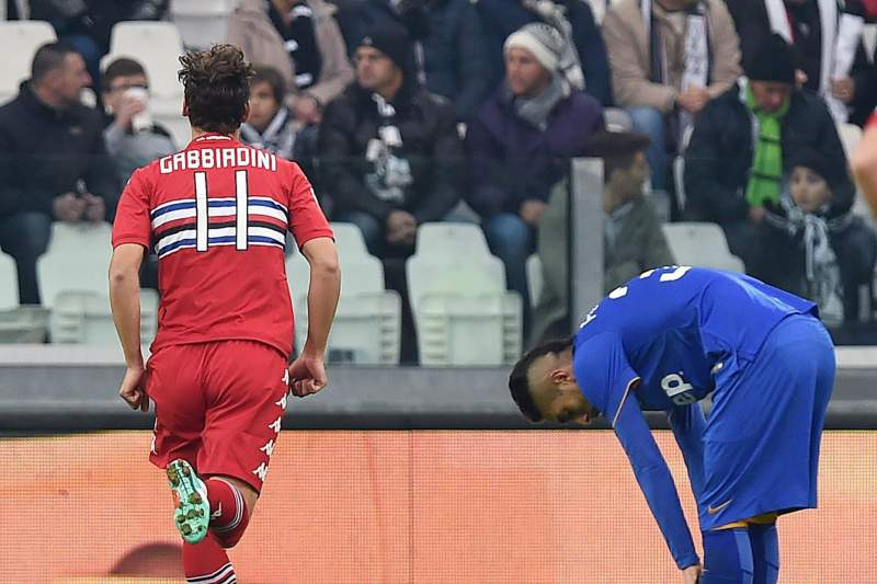 Gabbiadini celebra o golo marcado