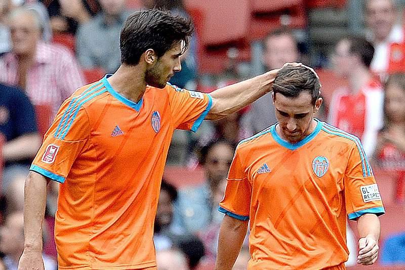Andre Gomes e Paco Alcacer no Valencia
