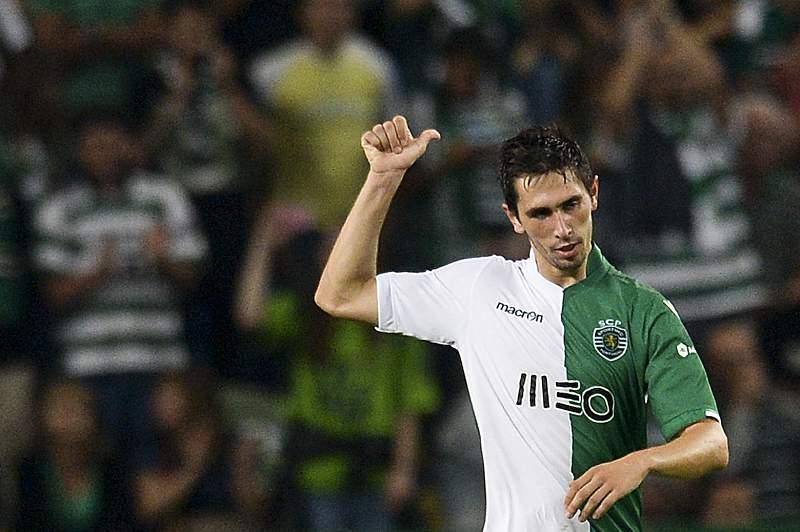 Paulo Oliveira celebra o primeiro golo com o Sporting