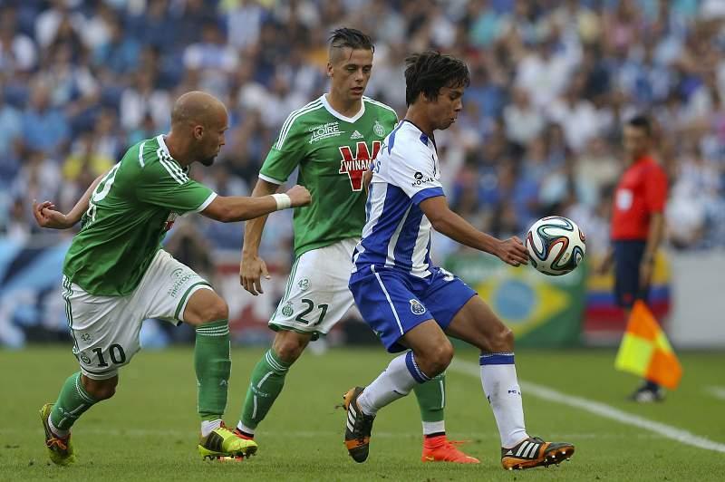 Óliver Torres contra Saint-Étienne