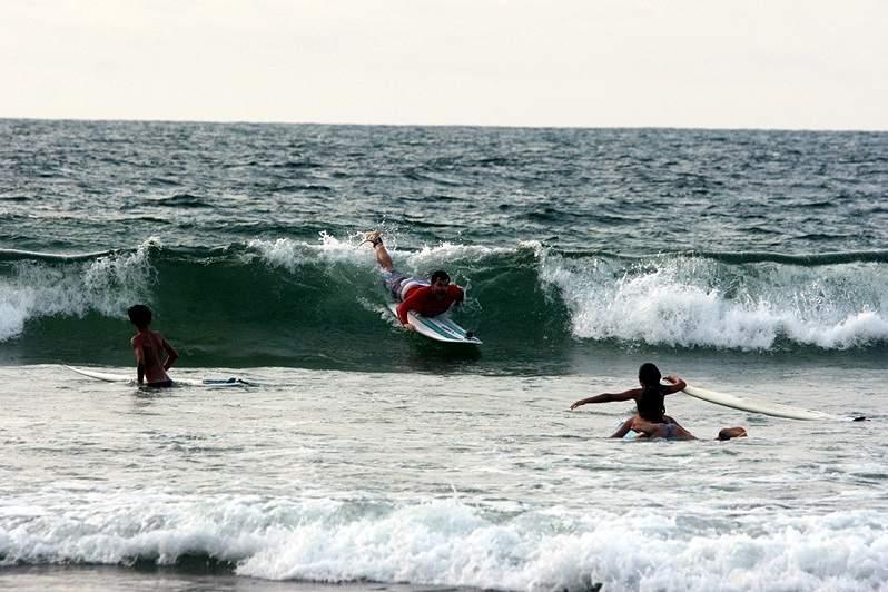 Social Team Surf Weekend