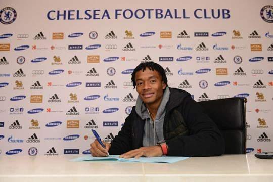 Cuadrado assina pelo Chelsea