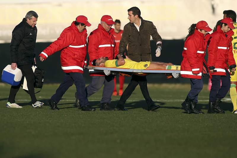 Sérgio Oliveira lesionado