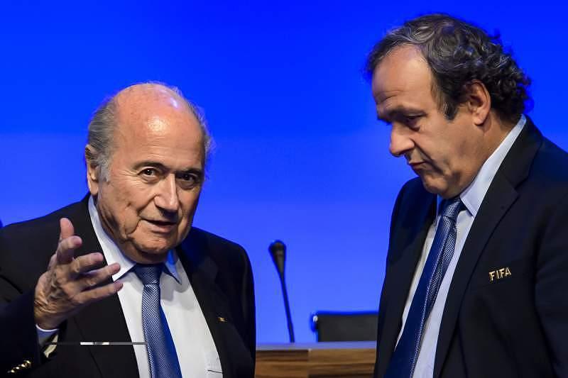 Platini pede a demissão de Blatter