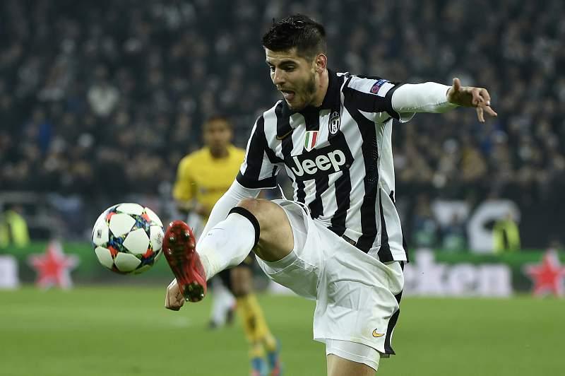 Alvaro Morata em ação contra o Borussia Dortmund