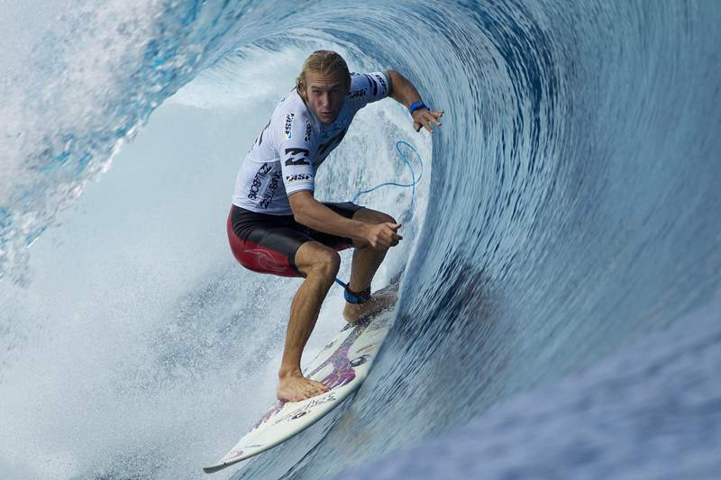 owen_wright_surf_taiti.jpg