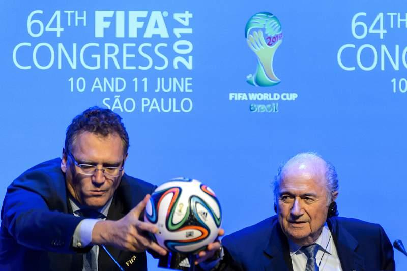 Valcke defende reeleição de Blatter