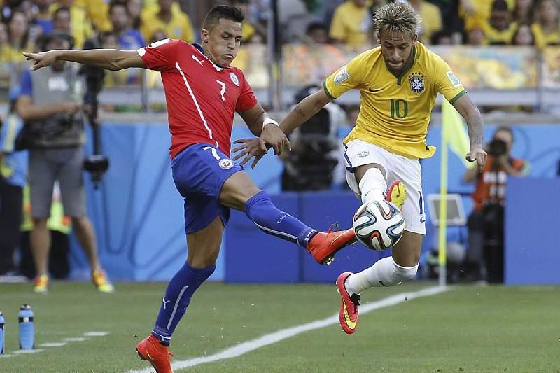 Neymar e Alexis em duelo nos oitavos