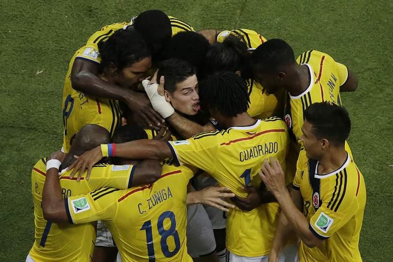 Génio de James Rodriguez faz a Colômbia sonhar