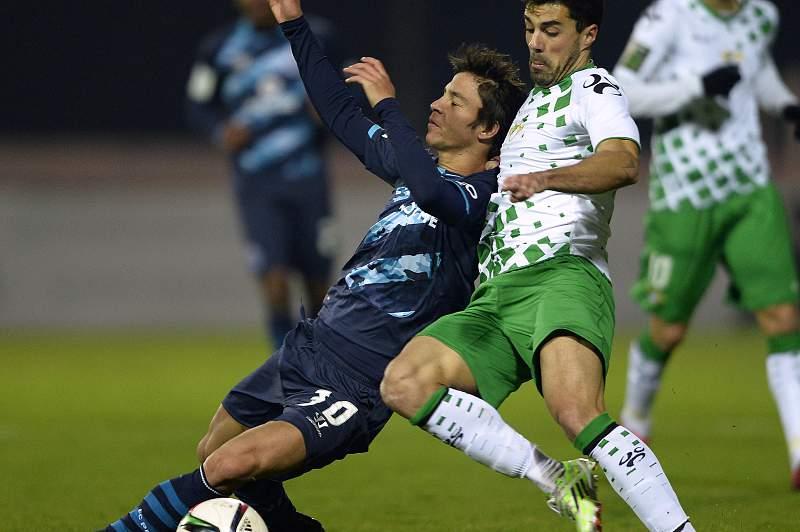 Pedro Coronas em ação contra o FC Porto