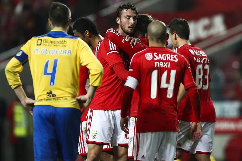 Benfica bate Arouca na Luz