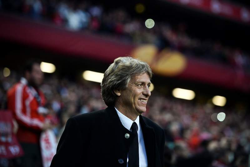 Benfica's head coach Jorge Jesus reacts during the UEFA Europa League semifinal first leg football match SL Benfica vs Juventus at the Luz stadium in Lisbon on April 24, 2014. Benfica won 2-1. AFP PHOTO/ PATRICIA DE MELO MOREIRA